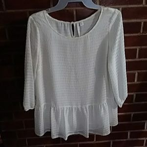 Creme color 3\4 length sleeve top
